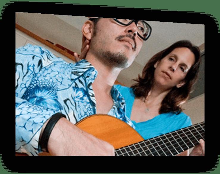 Julia Caulder with guitarist.